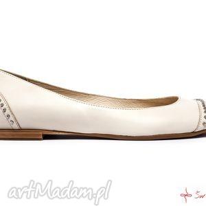 ręcznie wykonane buty balerinki z ćwiekami