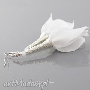 Lekkie kolczyki kwiaty z tkaniny, kolczyki, kwiaty, lekkie, ślub, długie, eleganckie