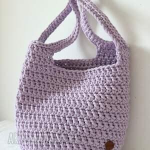 na ramię duża torba ze sznurka w kolorze lawendowym, lato, shopperka