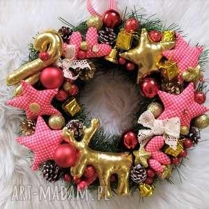 wianek bożonarodzeniowy, wianek, ozdoba, świąteczna, okno
