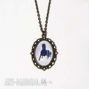 medalion, naszyjnik - czarny koń antyczny brąz, mały, owalny