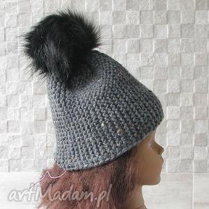 czapka dla dziecka z pomponem - czapka, dziecko, pompon, zima, ciepła
