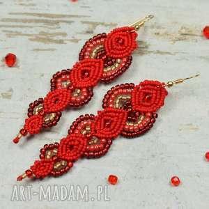 kameleon eleganckie idługie, czerwone kolczyki z koralików - makrama