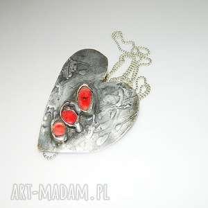 Serce z koralem, serce, wisior-serce, unikatowa-biżuteria, unikatowe-serce