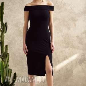 SUKIENKA Z ODKRYTYMI RAMIONAMI, sukienka, czarna, dopasowana, koronka, uniwersalna,