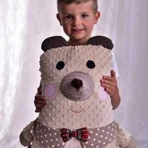 ręcznie zrobione maskotki poduszka dziecięca miś z kołnierzykiem