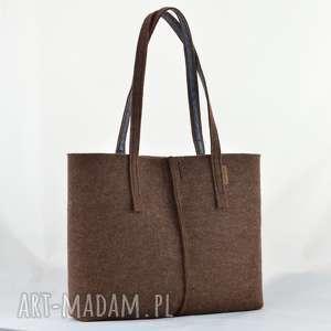 handmade na ramię duża brązowa torebka z filcu - minimalistyczna niska