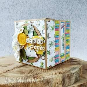 ręcznie wykonane scrapbooking kartki exploding box dla mola książkowego