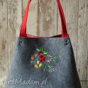 filcowa torba z kwiatowym haftem, torebka, filcowa, haft, kwiatki, prezent