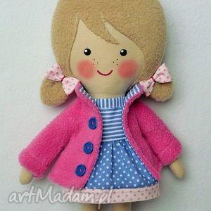 Prezent mlowana lala emilka, lalka, zabawka, przytulanka, prezent, niespodzianka