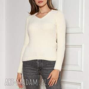 swetry miękki, włochaty sweterek - swe147 ecru, sweter, sweter na jesień