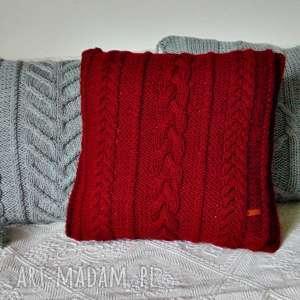 Czerwona poduszka w warkocze, poduszka, poszewka, na-drutach