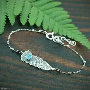 hand-made srebrna bransoletka liść paproci z chalcedonem, niebieskim oczkiem