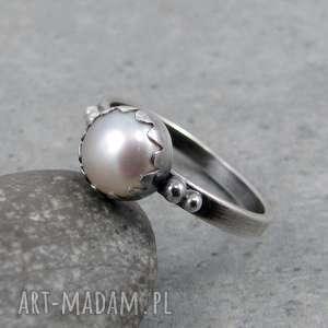 perła w falbance, romantyczny, delikatny, kobiecy, ślubny, pastelowy, perła