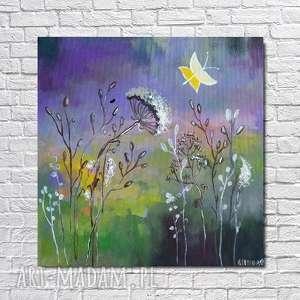 łąka w fioletach z żółtymi motylami -obraz akrylowy formatu 30/30 cm