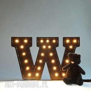 Podświetlana litera W , literka, lampka, dziecko, typo