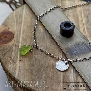 srebro i surowy peridot - delikatny naszyjnik, kamień, oksydowane