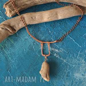 ręcznie wykonane naszyjniki naszyjnik / wisior z drewna i kutej miedzi