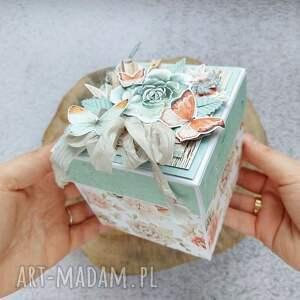 delikatny exploding box, prezent, kwiaty, ptaki