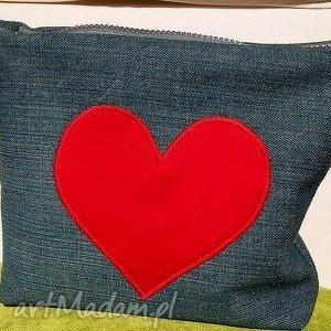 hand-made mini kosmetyczka z jeansu sercem