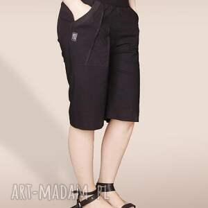 Czarne szorty ze ściągaczem, szorty, cienkie, krótkie, kolana, szerokie, nogawki
