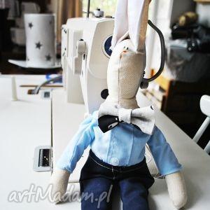 ręczne wykonanie maskotki pan królik