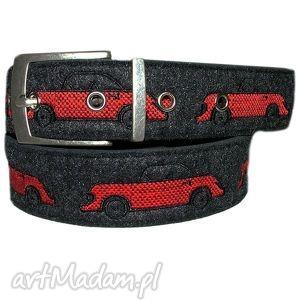Pasek haftowany w samochody czer. filc/skóra, samochody, pasek, pas, haft, fil