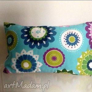 poduszka w kolorowe kwiaty, kwiaty dom