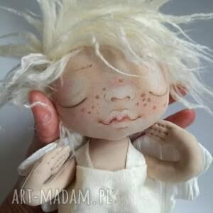 ANIOŁEK dekoracja ścienna - figurka tekstylna ręcznie szyta i malowana,