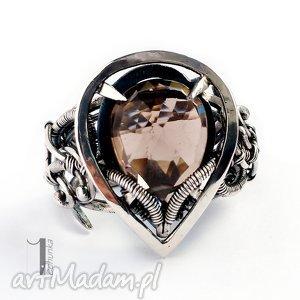 Ratri - srebrny pierścień z kwarcem dymnym, srebro, 925, regulowany, kwarc