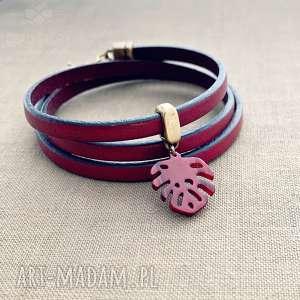 ręczne wykonanie bransoletki bordowa bransoletka z liściem monstery