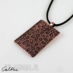 handmade wisiorki kwiatuszki - miedziany wisior 210529 -01