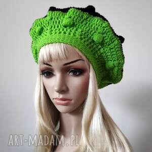 hand-made czapki ozdobny, czarno-zielony beret w paseczki z bąbelkami