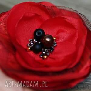 czerwona broszka przypinka kwiatek, upominek dla niej, do sukienki