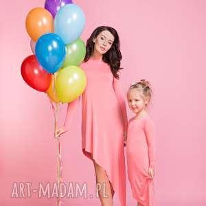 Sukienka asymetryczna z długim rękawem MAMA TM3, kolor różówy, sukienka,