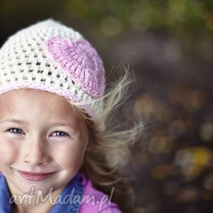 Czapka Serduszko, czapka, szydełko, włóczka, głowa, jesień