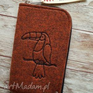 filcowe etui na telefon - haftowany tukan, etui, filcowe, haft, ptaszki, pokrowiec