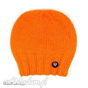 czapka przy głowie - pomarańczowa - czapka, zima, krótka, dziergana