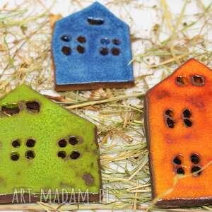 domki-magnesy na lodówke ceramiczne soczyste kolory niepowtarzalna ozdoba