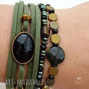 zestaw bransoletek w zieleni i czerni, welur, metal, szkło, hematyt, kamienie