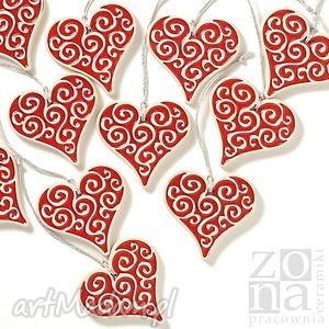 serca czerwone zawieszki w pudełku, serce, serduszko, dekoracja, zawieszka