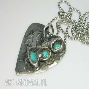 turkusowe serce, miedź, unikatowa-biżuteria, unikatowe-serce, wisior-serce