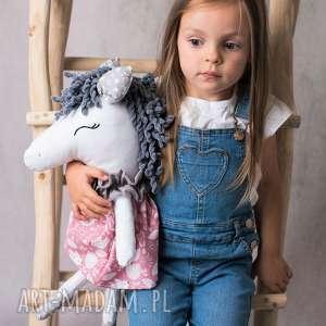przytulanka dziecięca koń, konik handmade, koń w sukienkce, pomysł na prezent