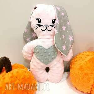 pudrowo różowy królik maskotka z minky prezent dla dziewczynki