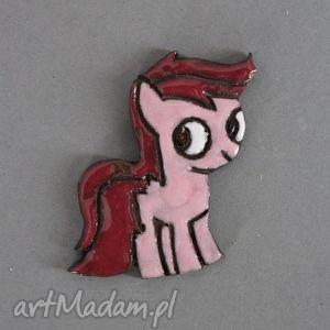dla dziecka kucyk ponny pinkie pie- broszka ceramiczna, bajka, kucyk, ponny, święta