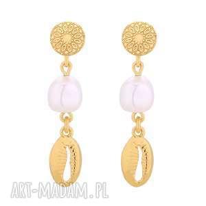 złote długie kolczyki z muszelkami i perłami swarovski®
