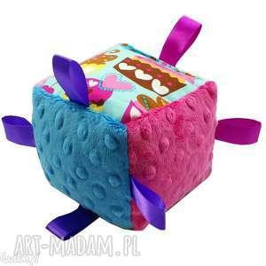 ręczne wykonanie zabawki kostka sensoryczna, wzór muffiny