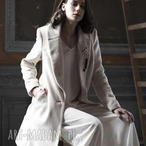 ręcznie wykonane płaszcze płaszcz kremowy
