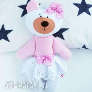 miś maskotka przytulanka w spódnicy - niemowlę, zabawka