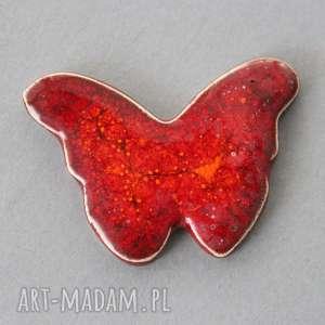 motyl-broszka ceramiczna - minimalizm, jesień, subtelna, dodatek, czapka, przypinka